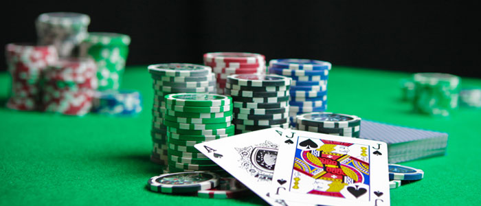 Playing Web Poker Advantage Compare to Real Poker