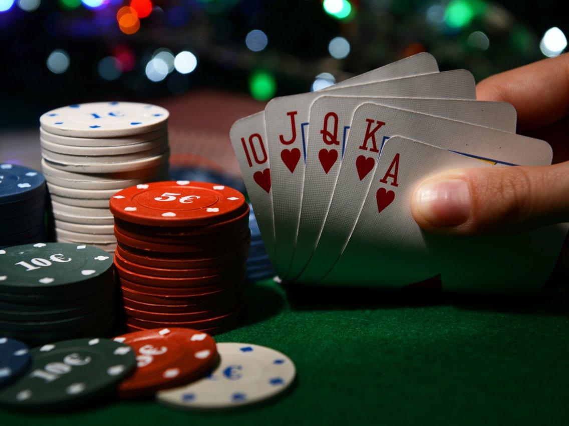 Poker Chip Sets make excellent Gifts