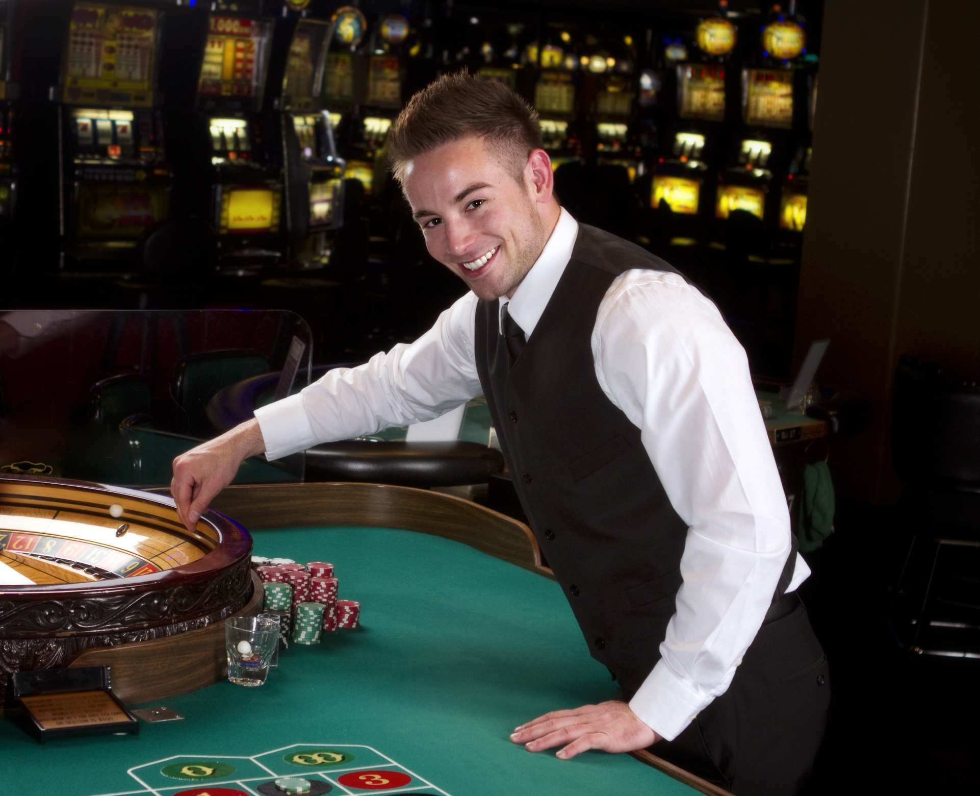 Use the gaming recommendations in the online casinos to earn the real money
