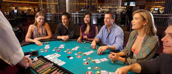 Get a Chance to Hit the Jackpot with Online Slot Games